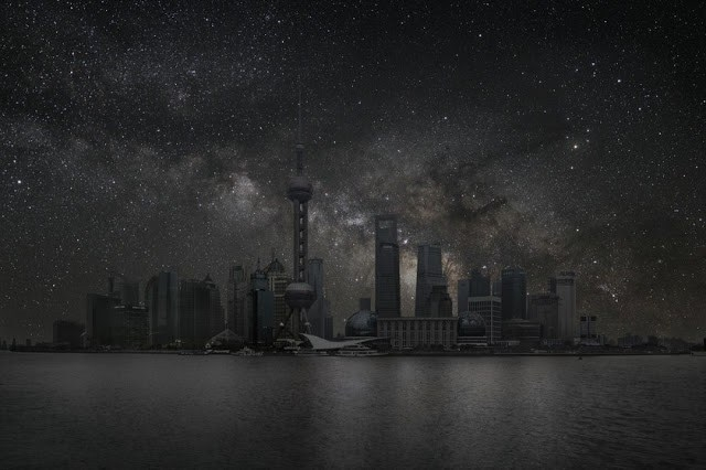 Karanlık bir şehirde gece gökyüzü nasıl olurdu?