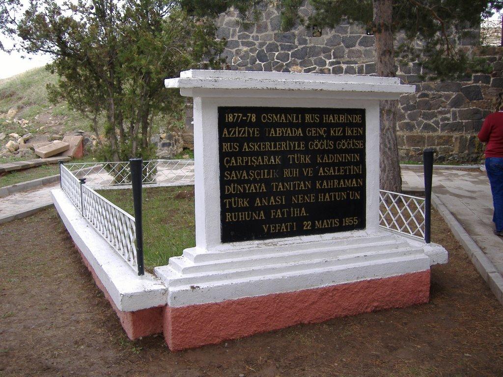 nene hatun mezarı