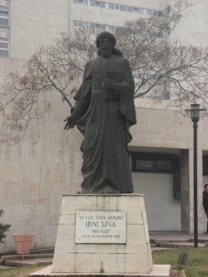 İbni_Sina_Heykeli_Ankara