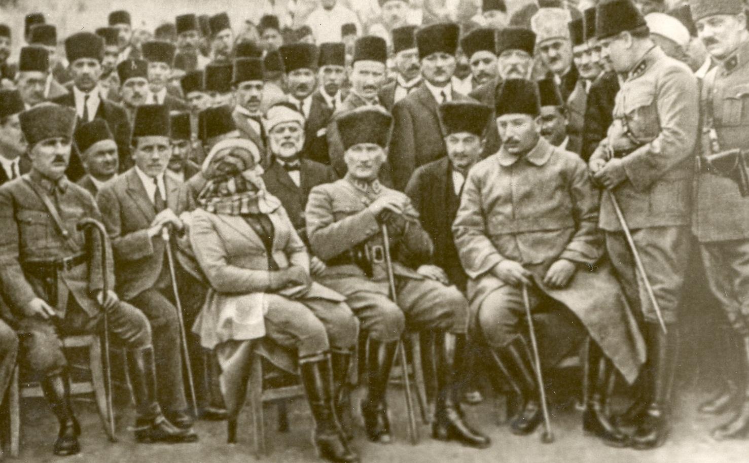 Atatürk ve İngiliz Belgeleri