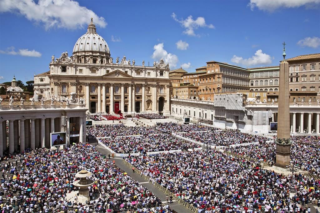 Citta' del Vaticano, 19-05-2013. La Santa Messa di Pentecoste nella giornata dei movimenti religiosi.