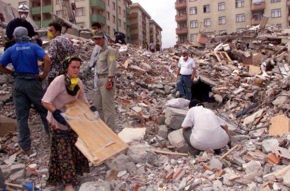 deprem-kurbanlari-17-agustosun-15inci-yildonumunde-aniliyor-DHA-5d1da100da0806d4309797b72183fe52-4-t